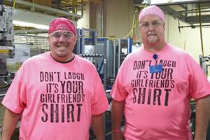 乳がん患者を支援する団体「Breast Cancer Care」への募金キャンペーン。